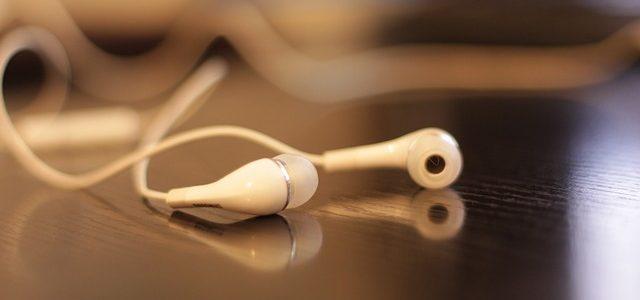 イヤホンのタッチノイズ・ガサガサを軽減する方法(カナル型・耳栓型)
